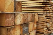 Продам доску 2м,  4м,  5м,  брус,  балки,  стропила,  дрова,  опилки.