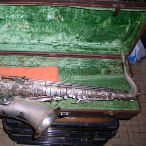 Продам саксофон тенор Waltklang