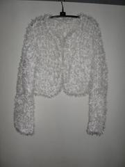 Продам белую вязаную кофту